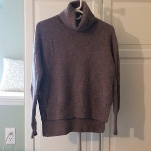 Wilfred Free Turtleneck sweater size XS
